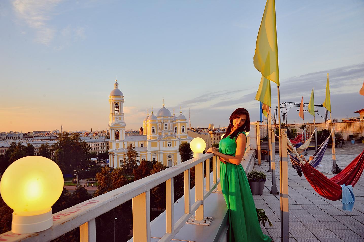 фотосессия для девушки на крыше