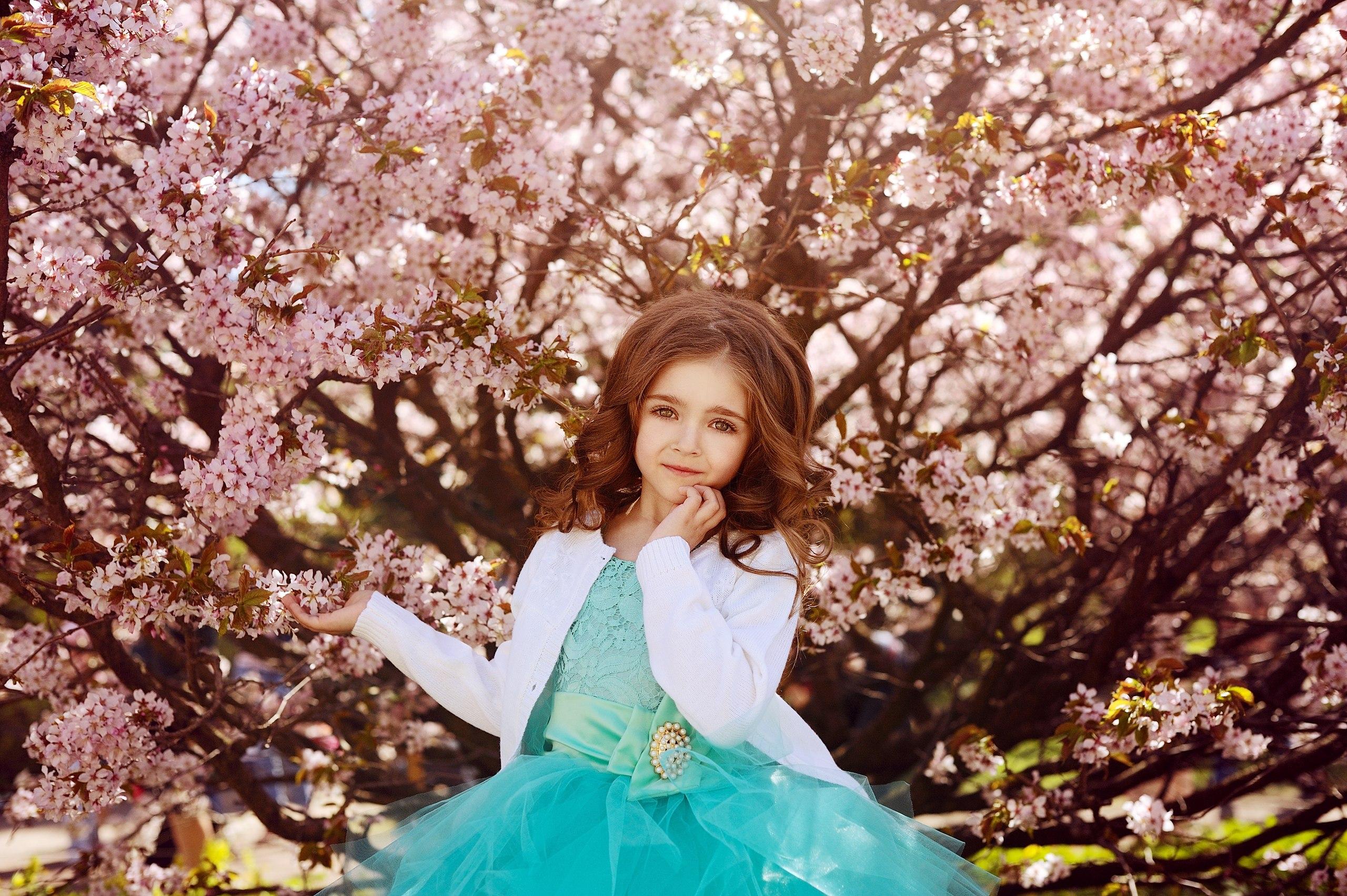 Детская фотосессия в сакуре