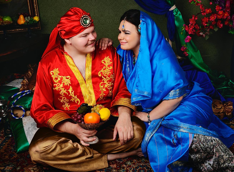 фотосессия  в студии для влюбленных в индийском стиле