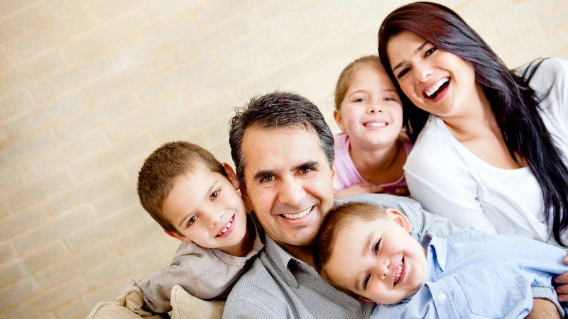 как сделать семейное позы