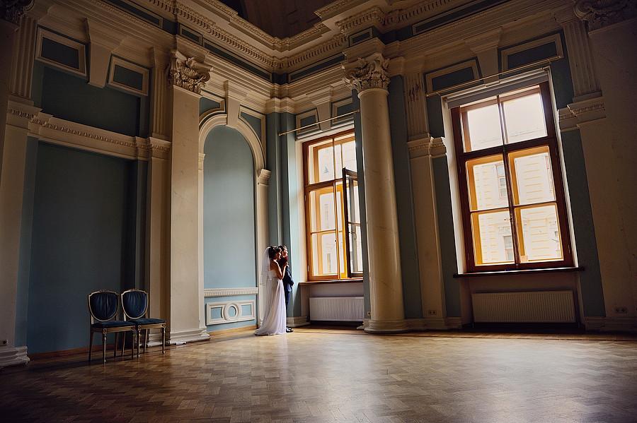 фотосессия во дворце для влюбленной пары